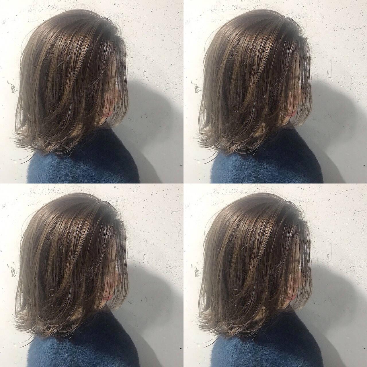 n. ナチュラル グレージュ アッシュベージュヘアスタイルや髪型の写真・画像