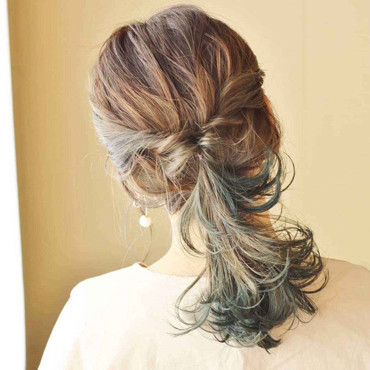 ミディアム セルフアレンジ くるりんぱ アディクシーカラーヘアスタイルや髪型の写真・画像