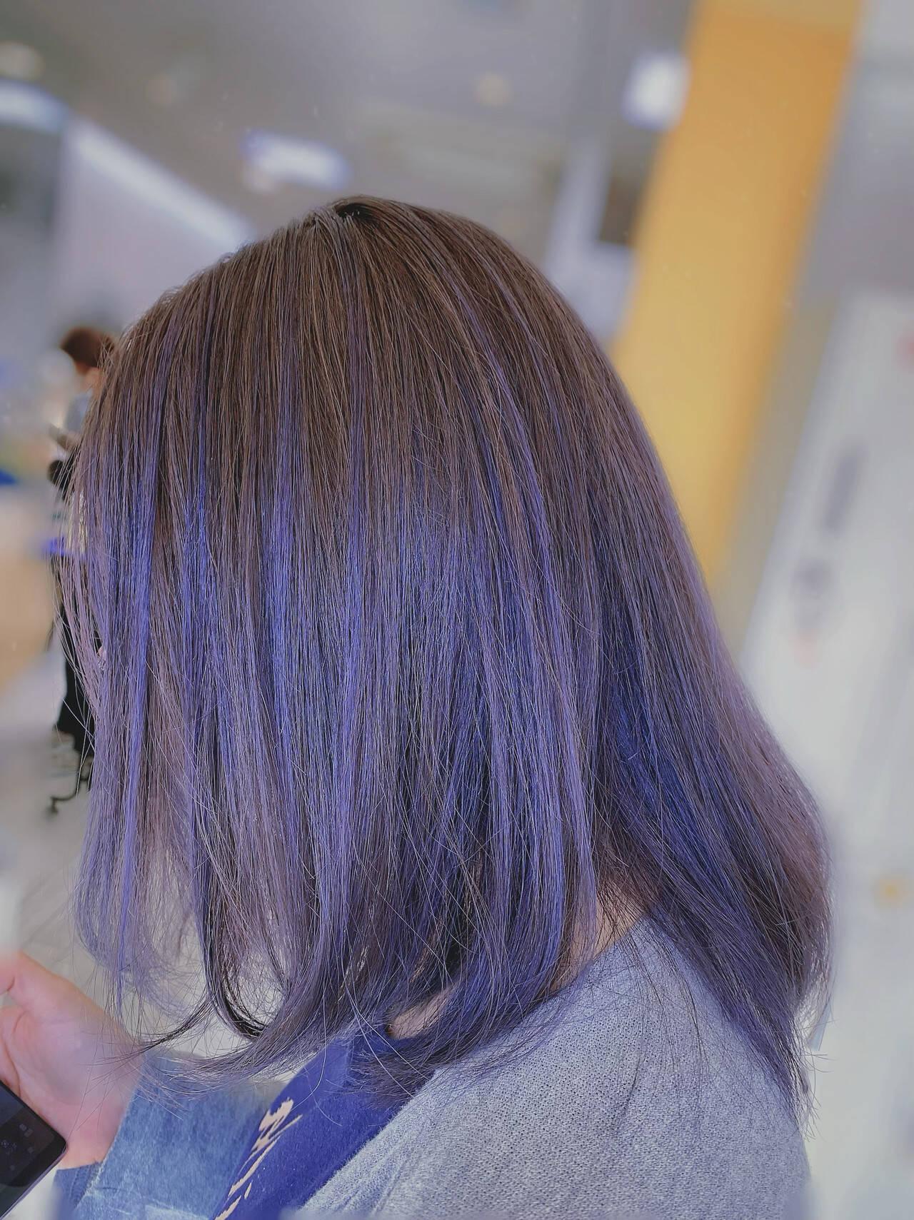 ミディアム ラベンダーアッシュ ストリート インナーカラーヘアスタイルや髪型の写真・画像