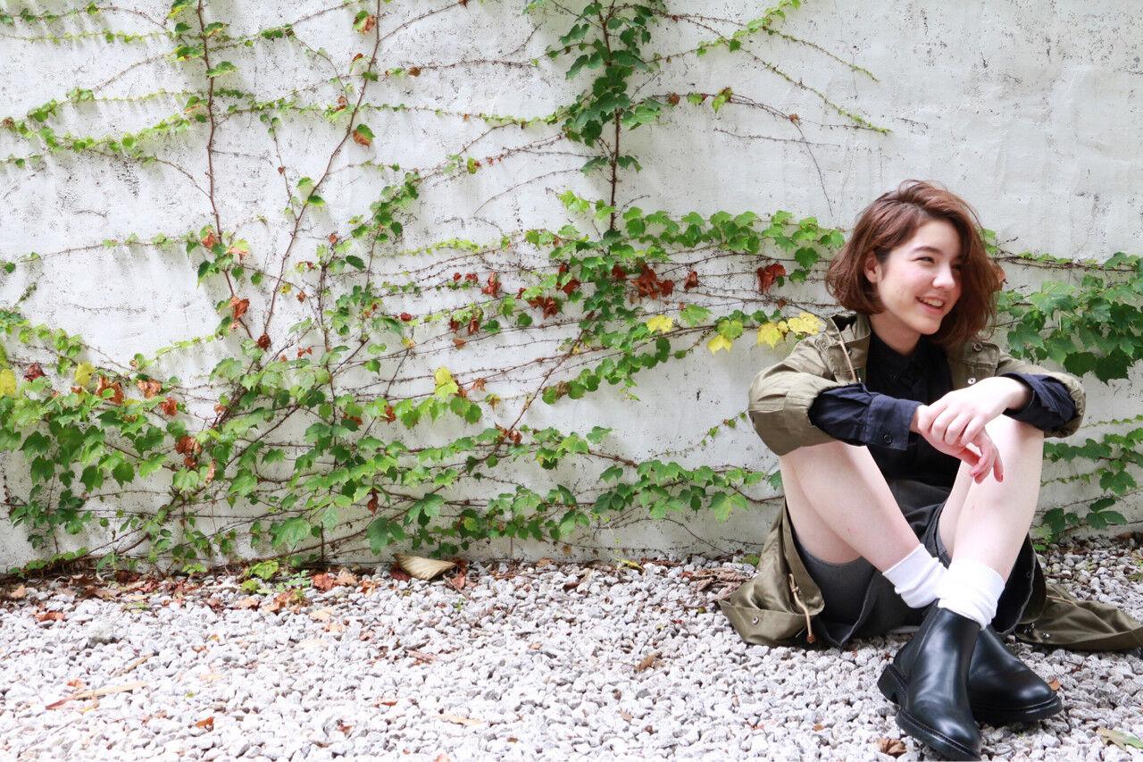 パーマ ナチュラル グラデーションカラー ミディアムヘアスタイルや髪型の写真・画像