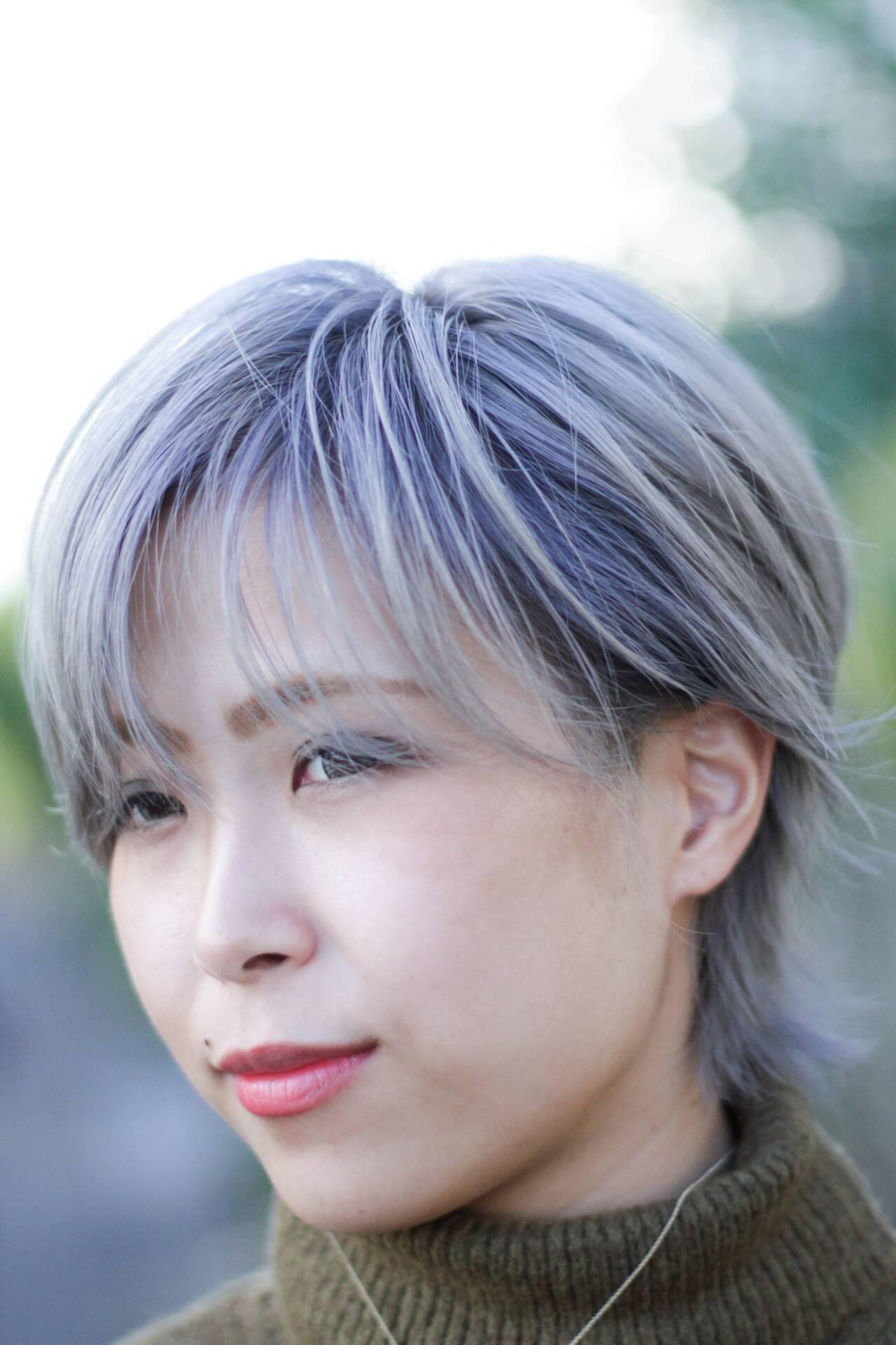 ハイトーンカラー シルバーグレージュ ウルフカット ストリートヘアスタイルや髪型の写真・画像