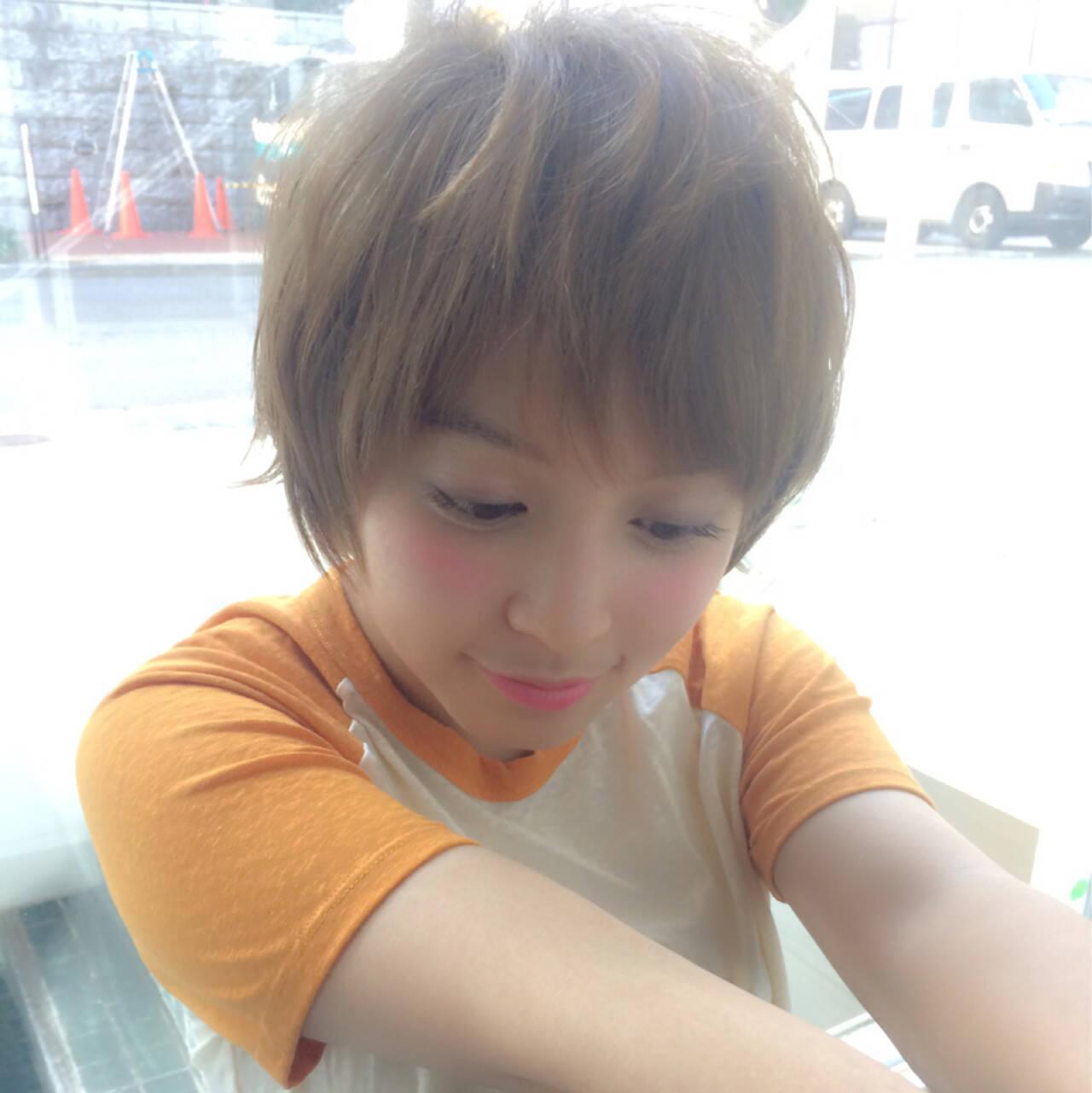 小顔 大人女子 ショート ナチュラルヘアスタイルや髪型の写真・画像