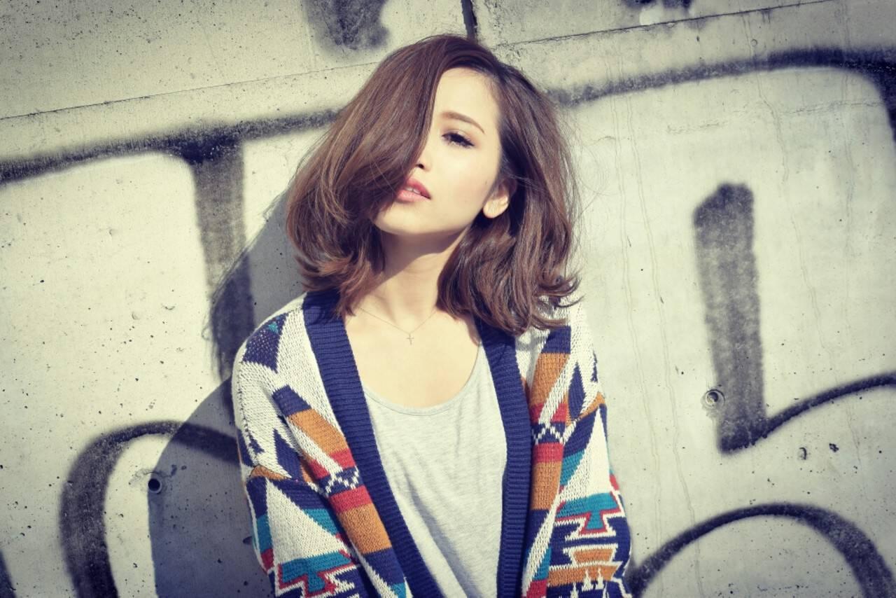 ハイライト ストリート ミディアム ボブヘアスタイルや髪型の写真・画像