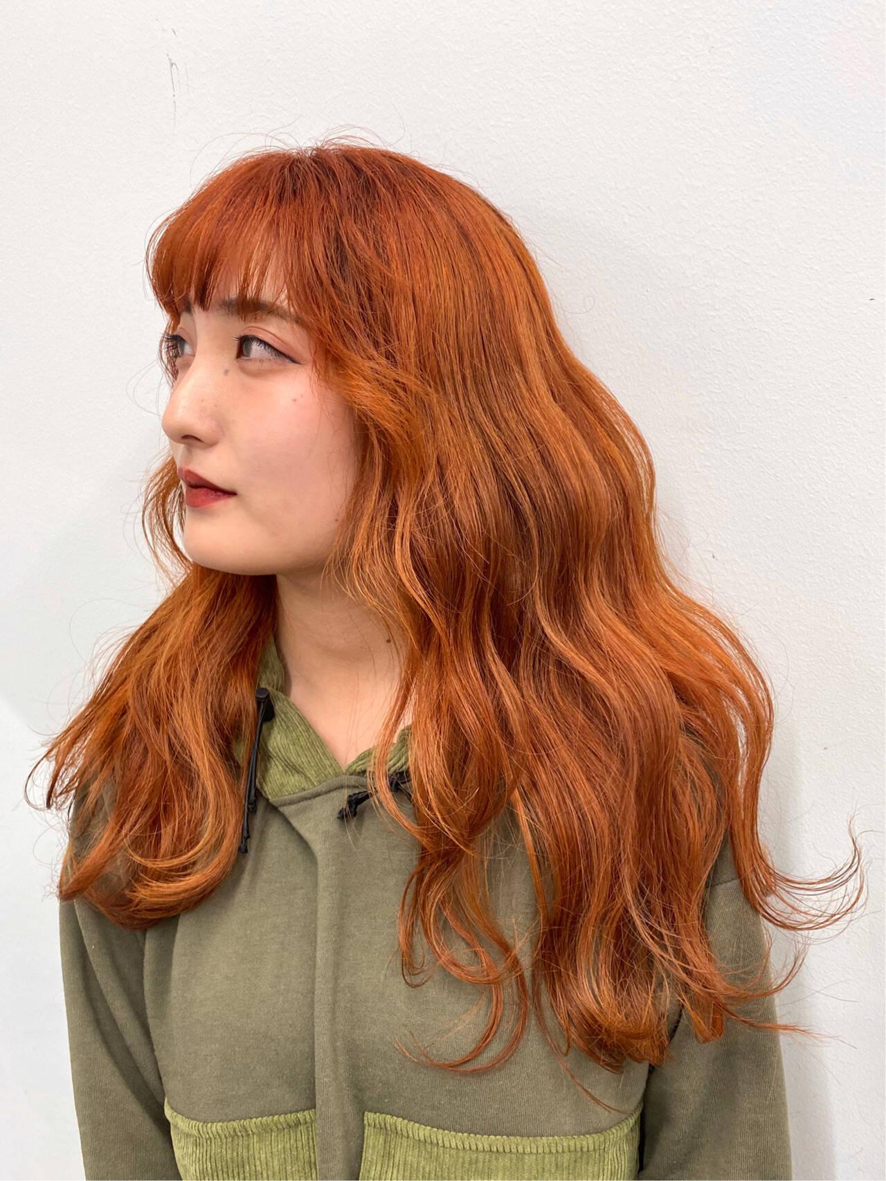 アプリコットオレンジ ロング オレンジカラー モテ髪ヘアスタイルや髪型の写真・画像