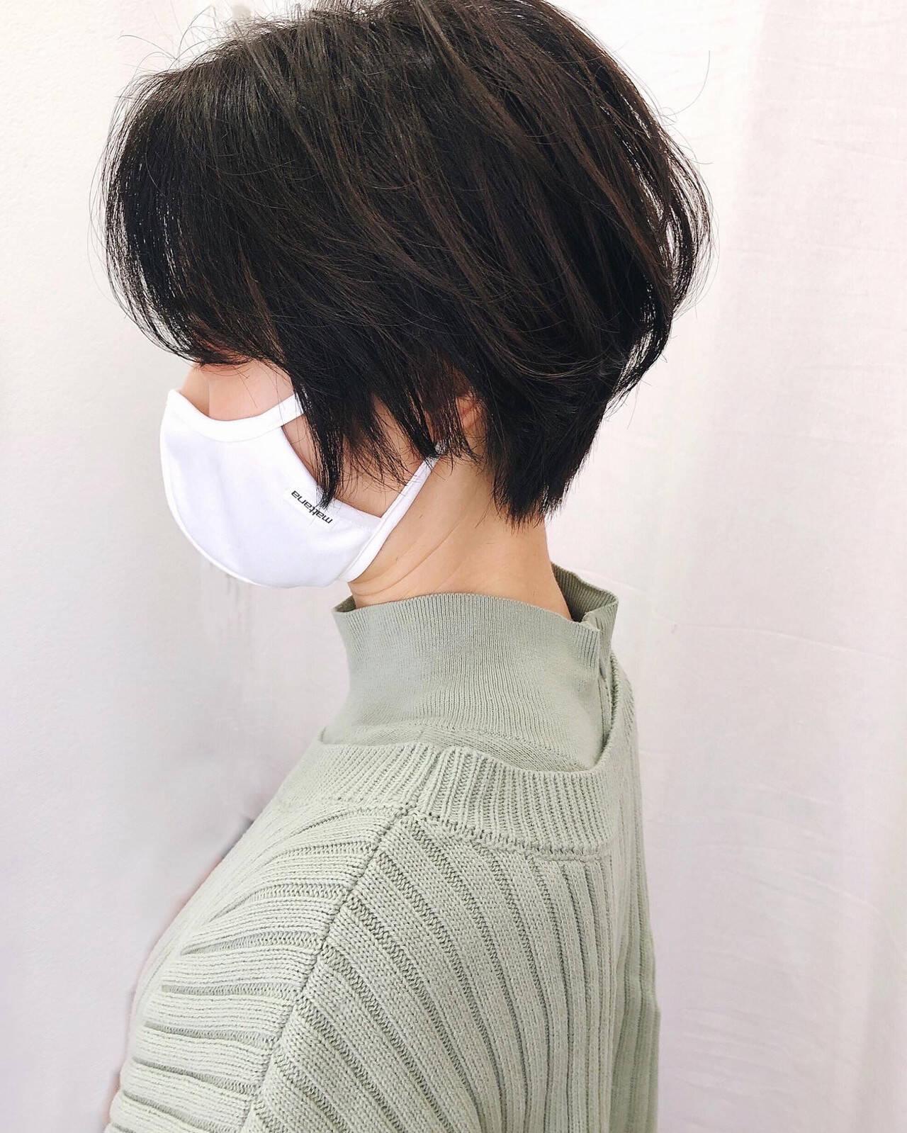 ショートヘア ショートボブ 黒髪 ナチュラルヘアスタイルや髪型の写真・画像