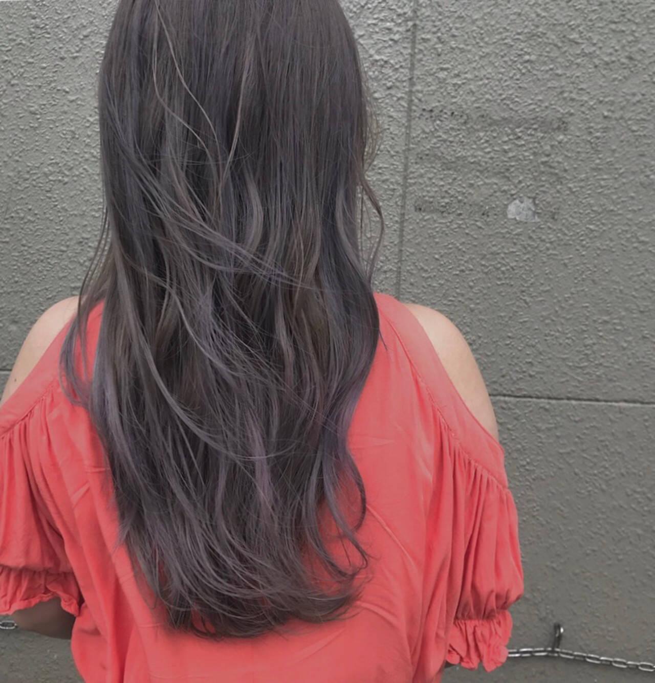 デート アッシュバイオレット パープル ロングヘアスタイルや髪型の写真・画像