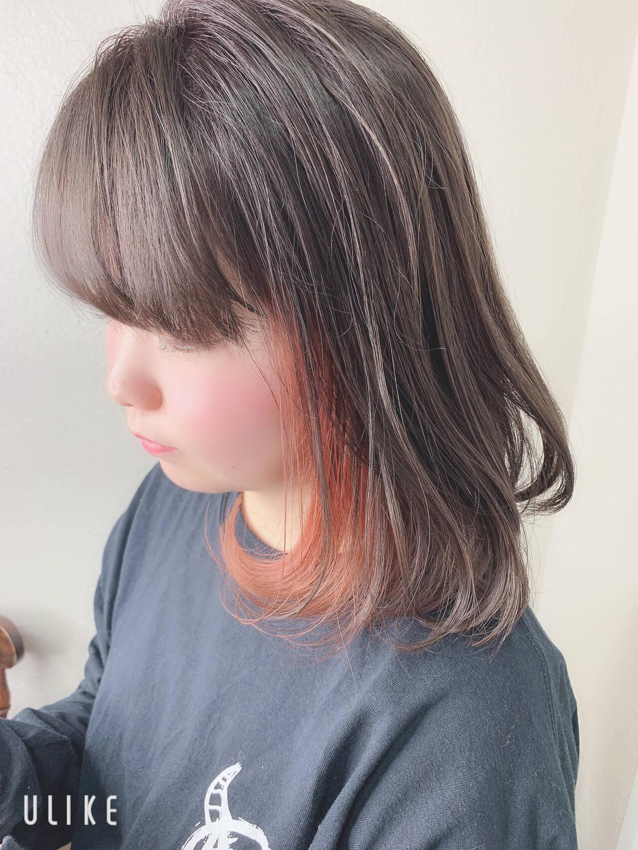 ガーリー インナーカラーオレンジ ミルクティーベージュ ボブヘアスタイルや髪型の写真・画像