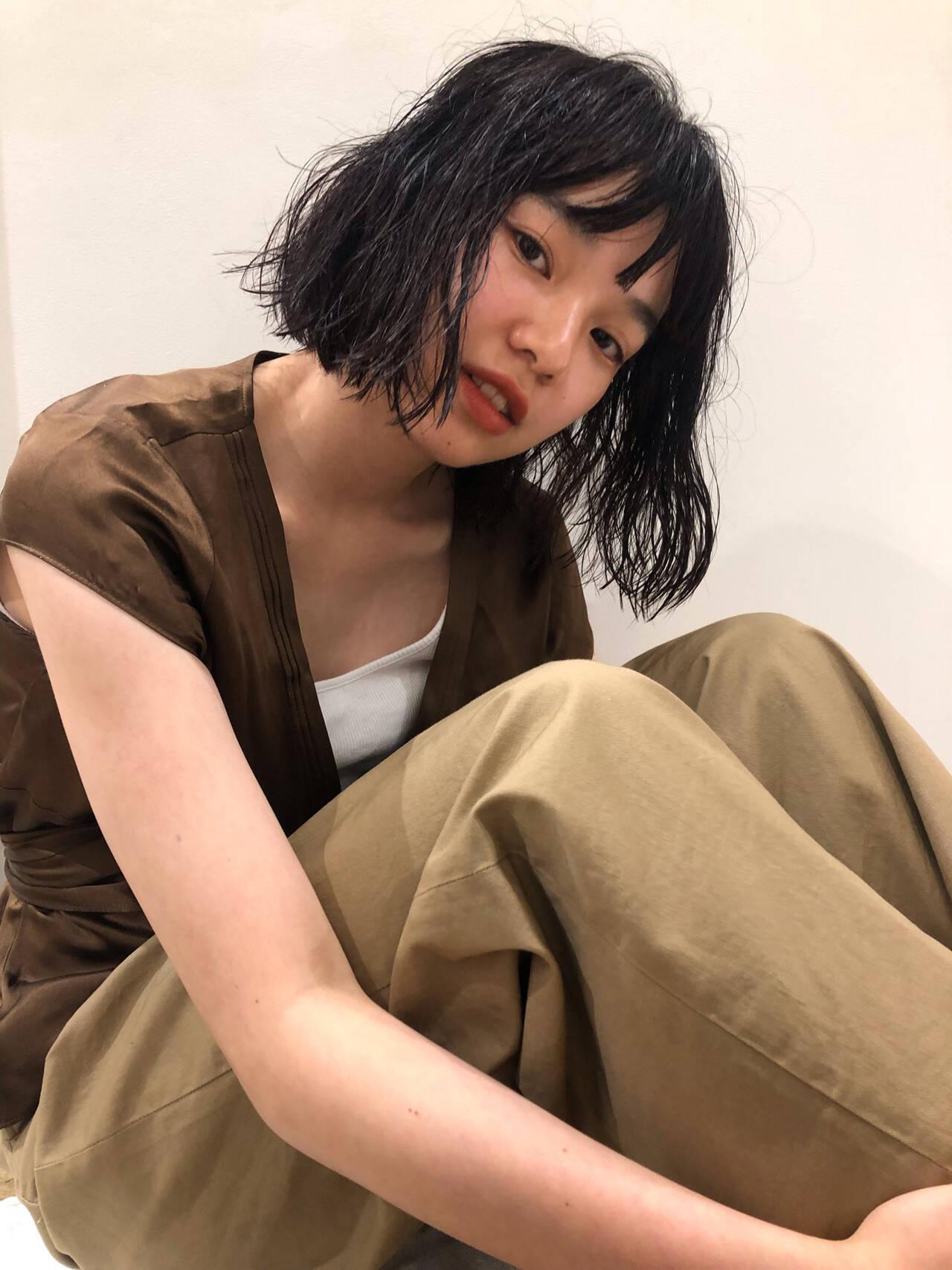 毛先パーマ ゆるふわパーマ パーマ ナチュラルヘアスタイルや髪型の写真・画像