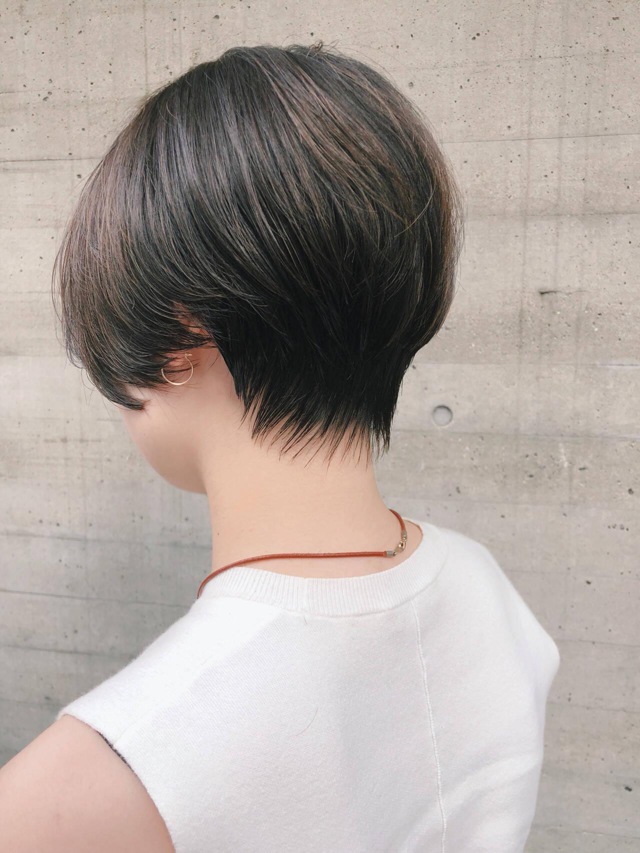 ショート ナチュラル 黒髪 毛先パーマヘアスタイルや髪型の写真・画像