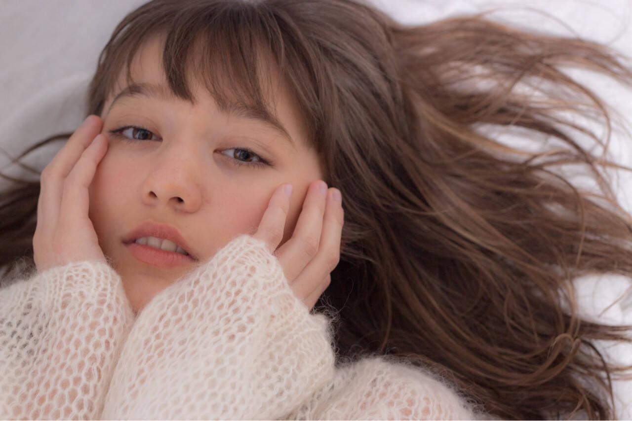 アンニュイ ヘアアレンジ ロング フェミニンヘアスタイルや髪型の写真・画像