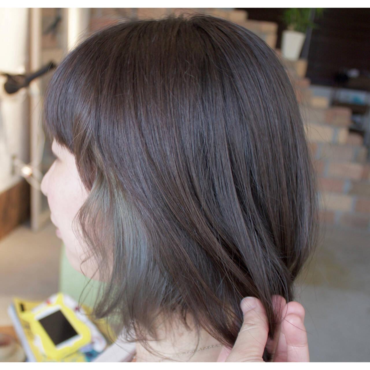 デート インナーカラー ウェーブ アンニュイヘアスタイルや髪型の写真・画像