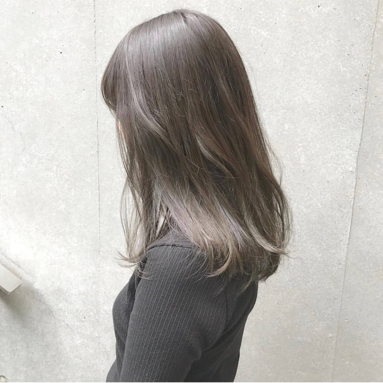 グレージュ オリージュ マットグレージュ セミロングヘアスタイルや髪型の写真・画像