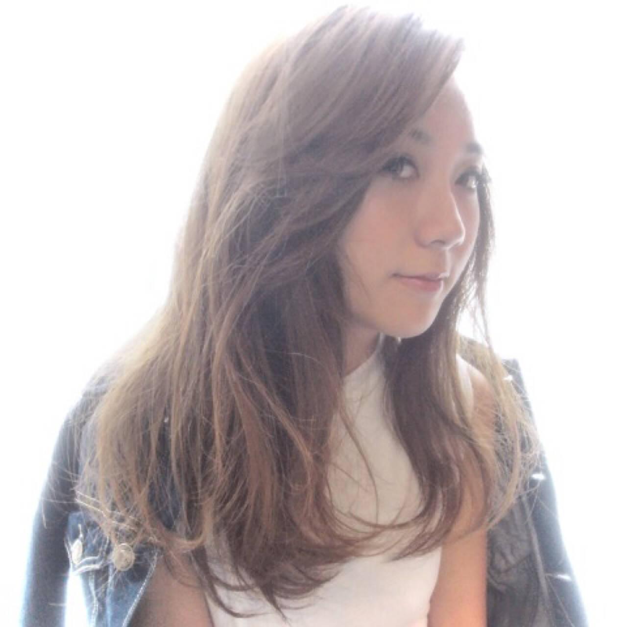 かき上げ前髪 前髪あり ガーリー グラデーションカラーヘアスタイルや髪型の写真・画像