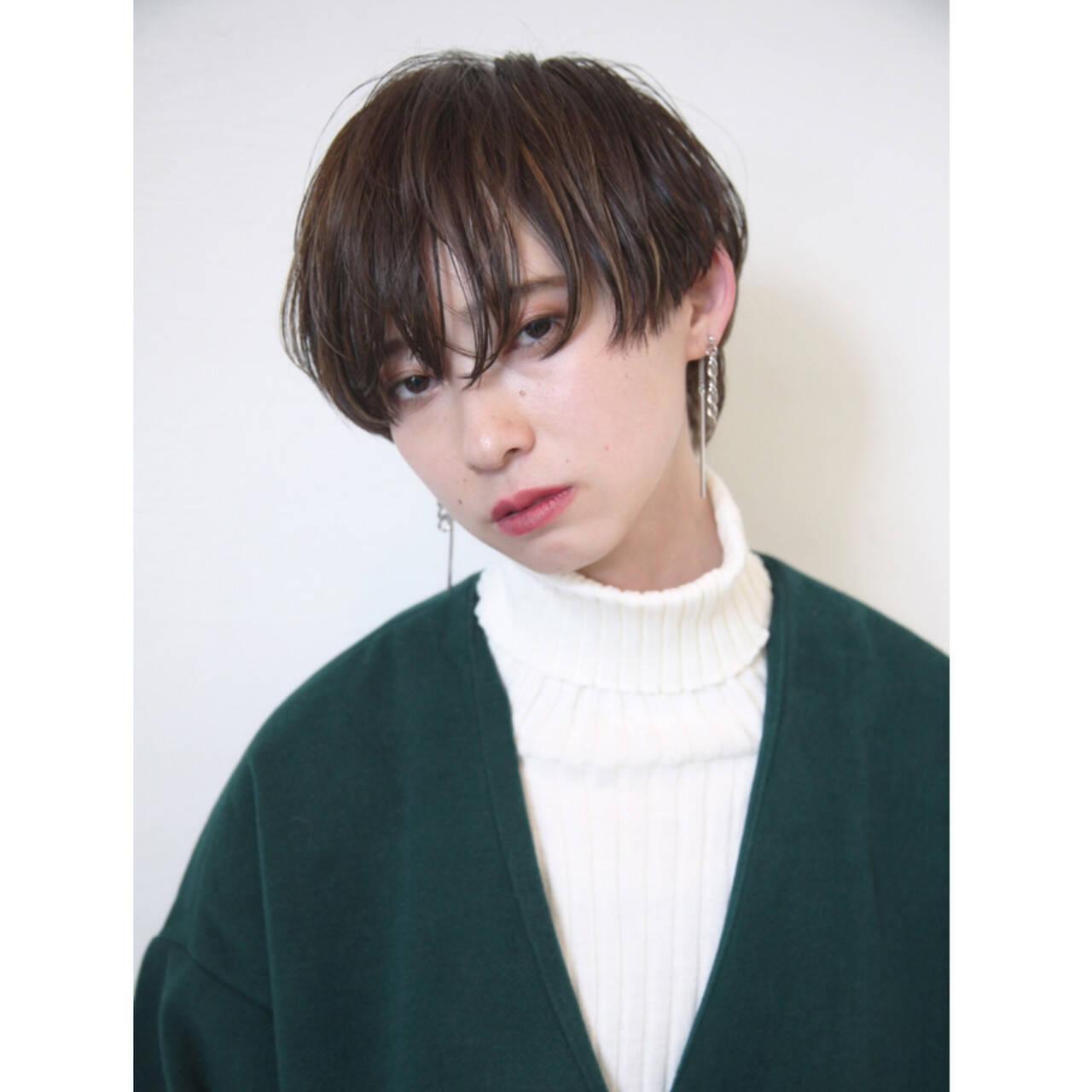 モード ハイライト ショートボブ ウザバングヘアスタイルや髪型の写真・画像