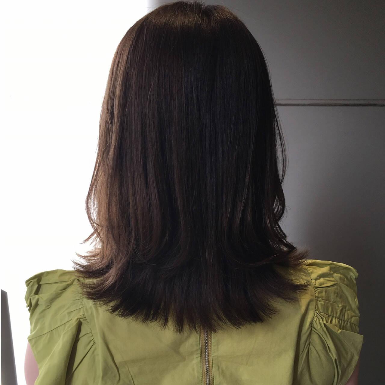 ミントアッシュ ロブ オリーブアッシュ オリーブグレージュヘアスタイルや髪型の写真・画像