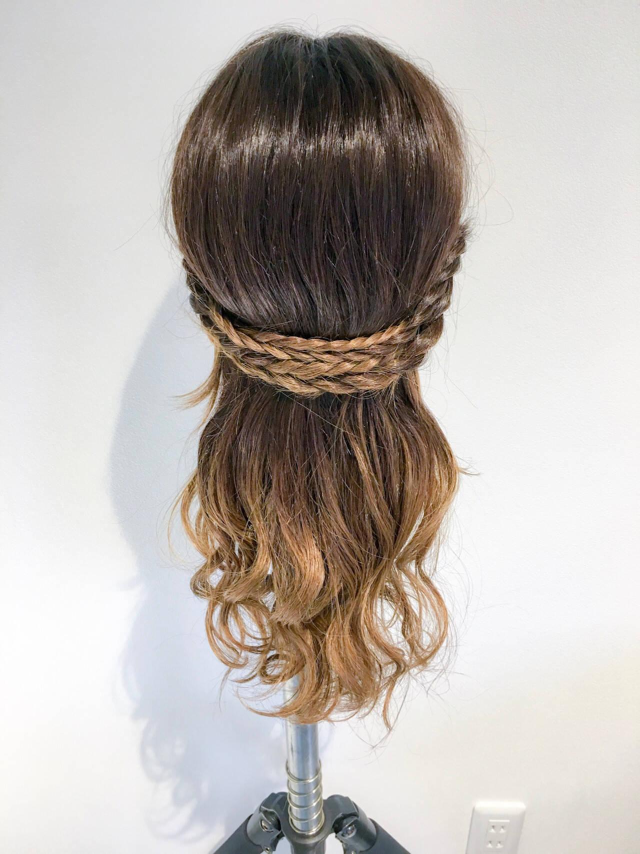 アウトドア フェミニン 簡単ヘアアレンジ デートヘアスタイルや髪型の写真・画像