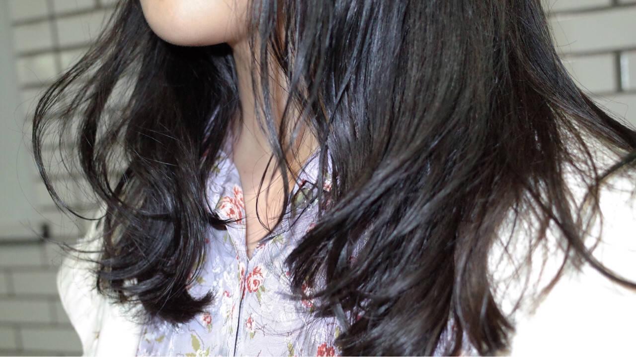 黒髪 ブルージュ 暗髪 ウェーブヘアスタイルや髪型の写真・画像