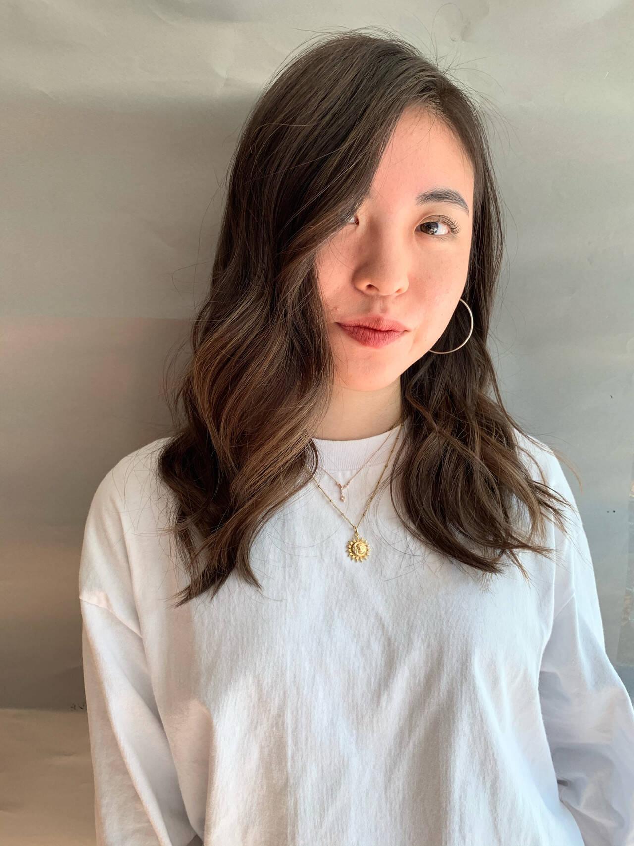 ハイライト ロング グラデーションカラー 外国人風カラーヘアスタイルや髪型の写真・画像