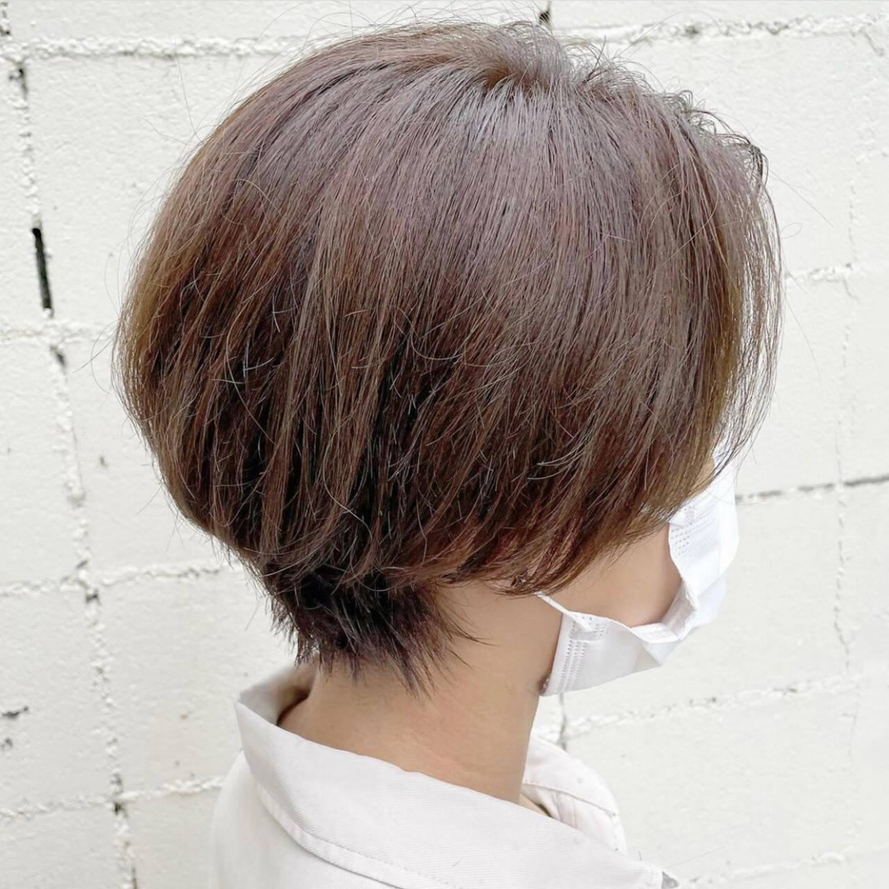 グレージュ ショート ショートヘア ショートボブヘアスタイルや髪型の写真・画像
