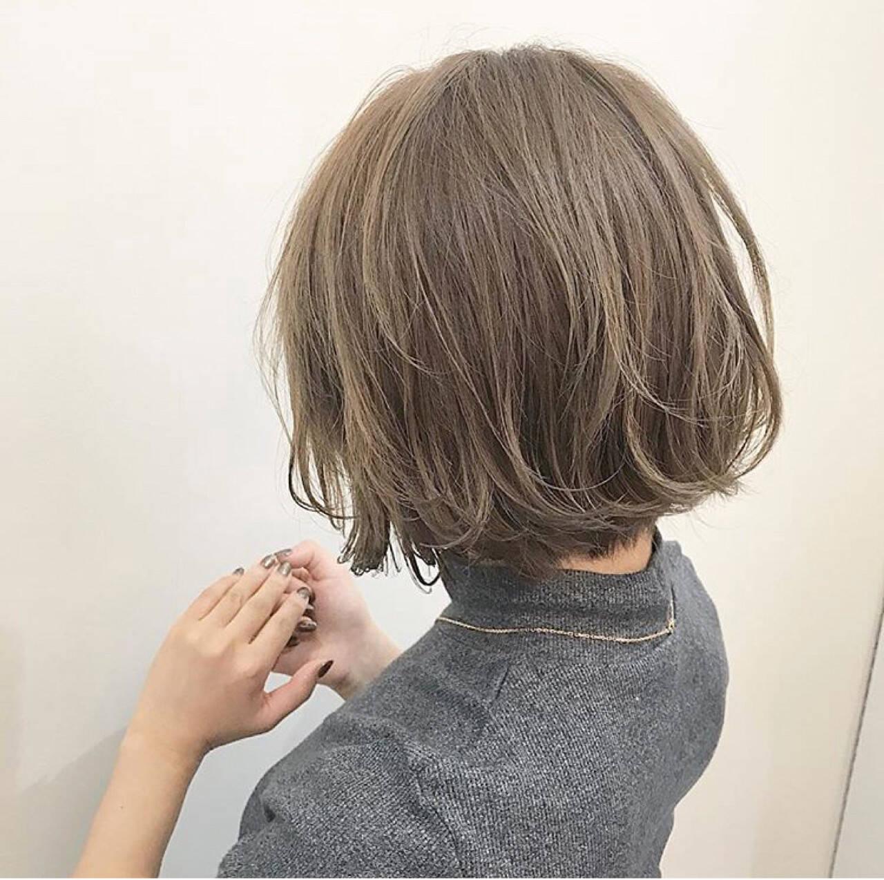 透明感 冬 アッシュ 秋ヘアスタイルや髪型の写真・画像