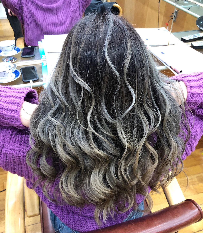 ブリーチ ホワイトカラー ハイライト 外国人風カラーヘアスタイルや髪型の写真・画像