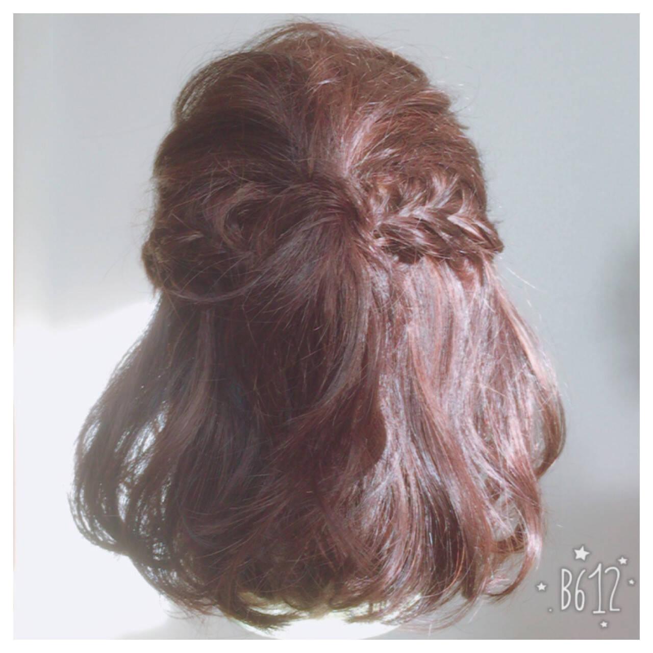 ハーフアップ ハイライト 編み込み ミディアムヘアスタイルや髪型の写真・画像