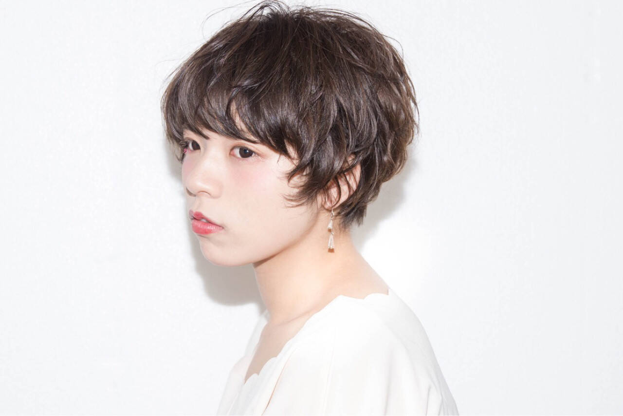デート ニュアンス 小顔 ショートヘアスタイルや髪型の写真・画像