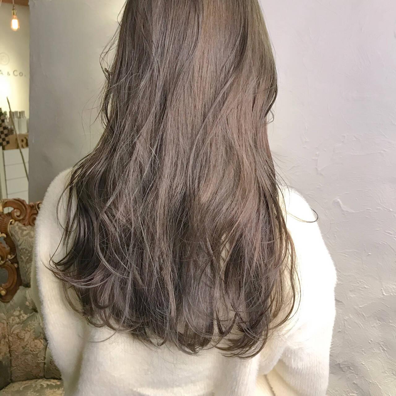 ロング ミルクティー ミルクティーアッシュ ミルクティーベージュヘアスタイルや髪型の写真・画像