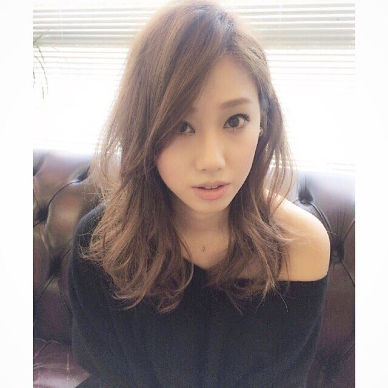 ロング ストリート 前髪あり かき上げ前髪ヘアスタイルや髪型の写真・画像