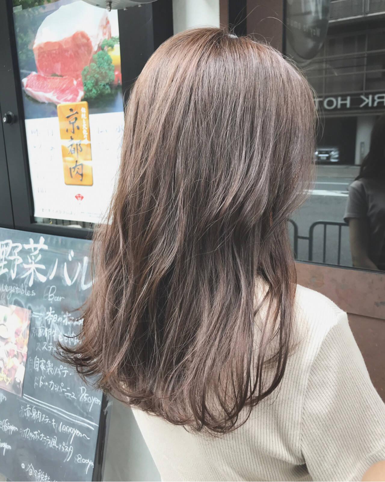 ミルクティーグレージュ 大人女子 ナチュラル oggiottoヘアスタイルや髪型の写真・画像