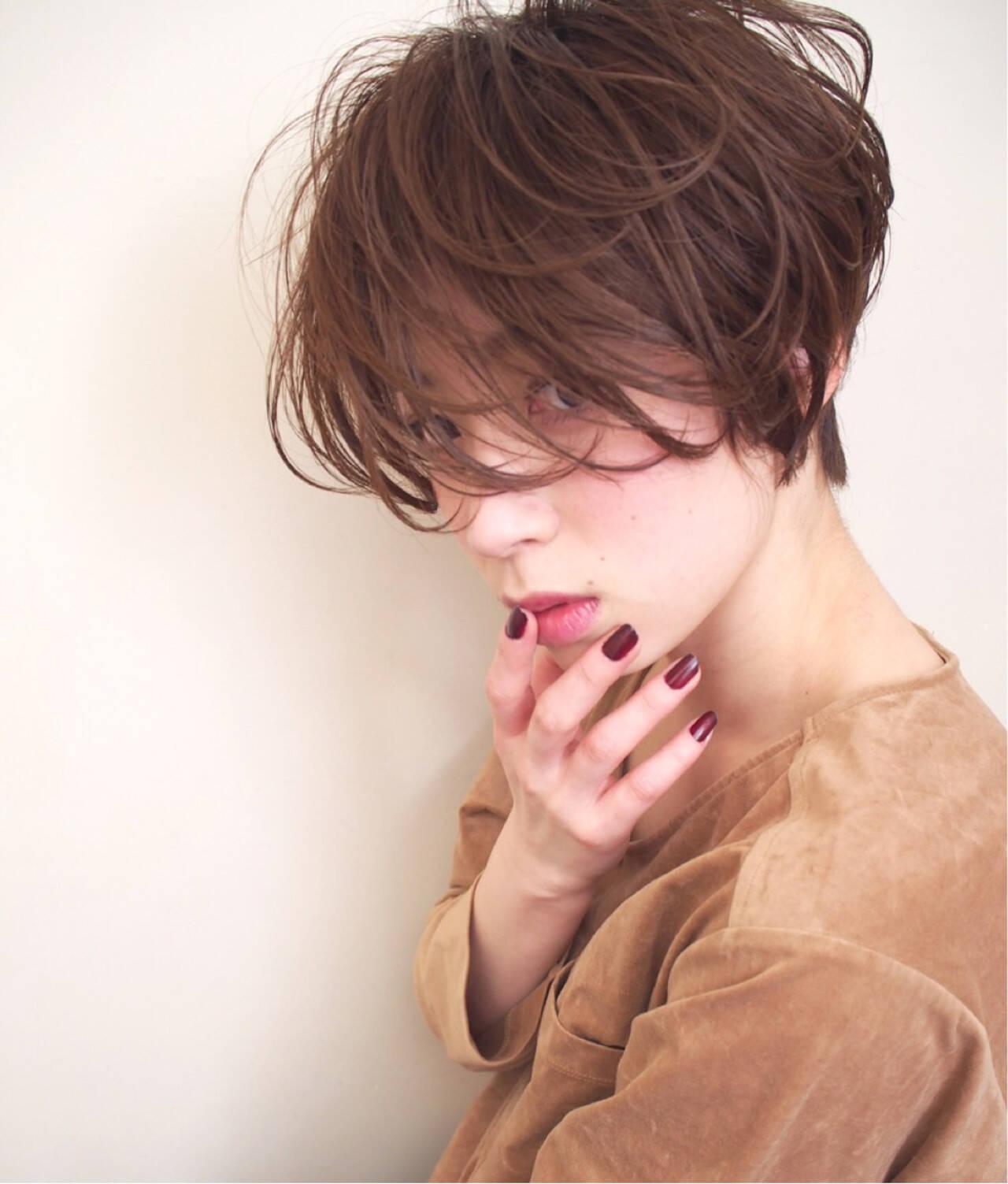 アッシュグレージュ アッシュベージュ ショート キュートヘアスタイルや髪型の写真・画像