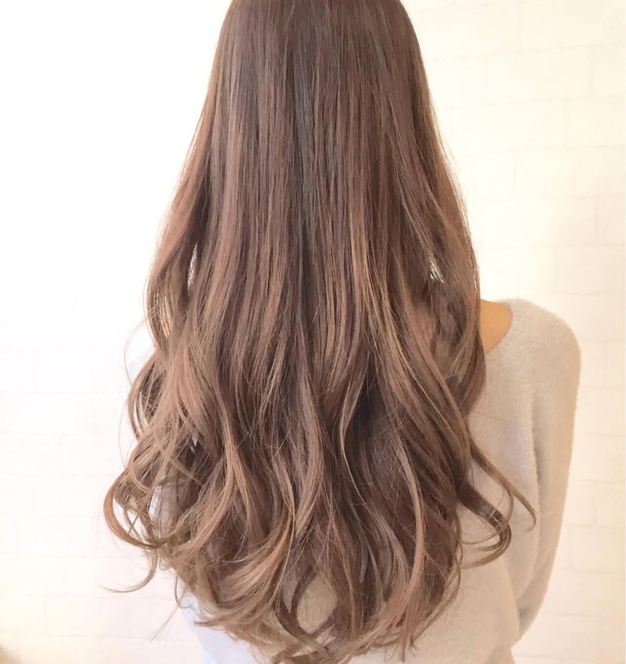 外国人風 ハイライト アッシュ フェミニンヘアスタイルや髪型の写真・画像