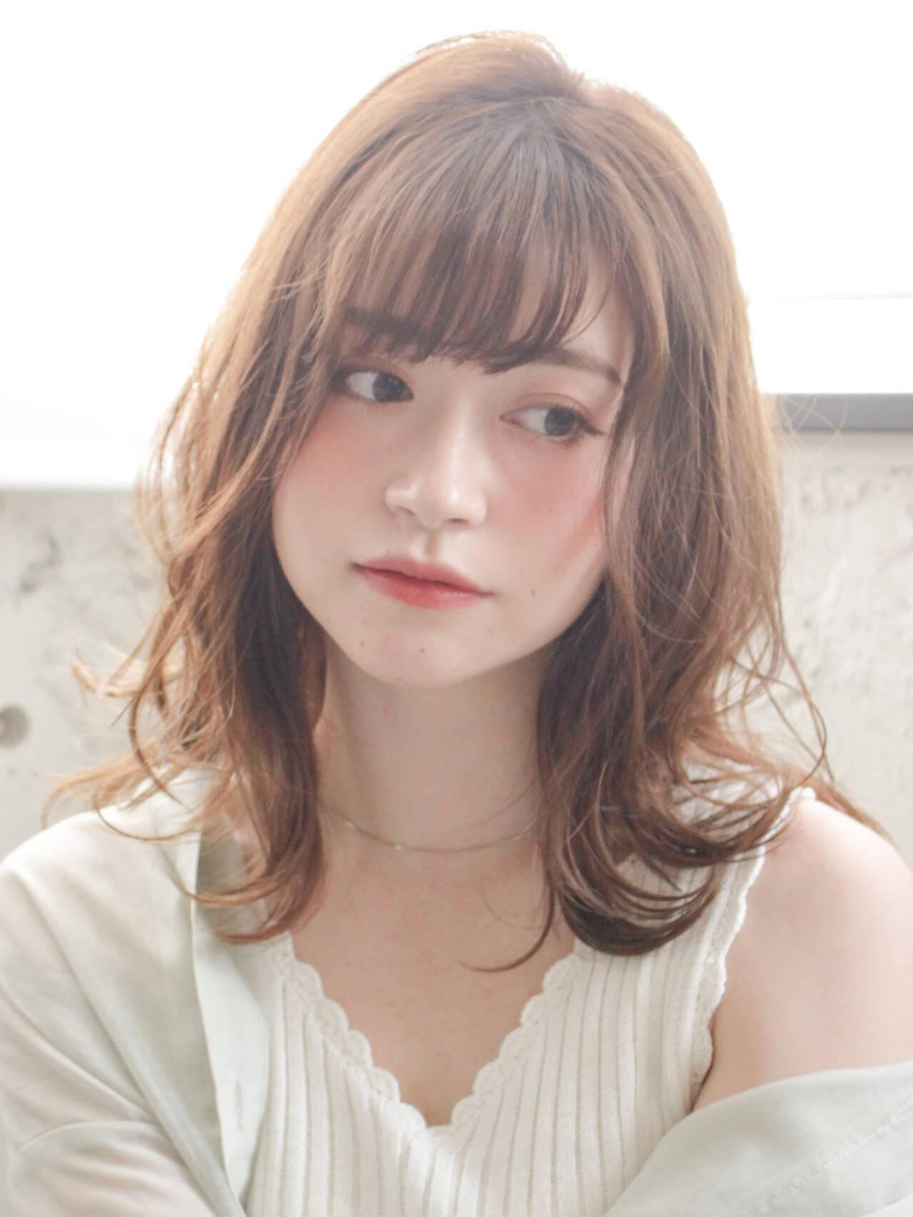 小顔ショート 前髪あり モテ髪 ストレートヘアスタイルや髪型の写真・画像