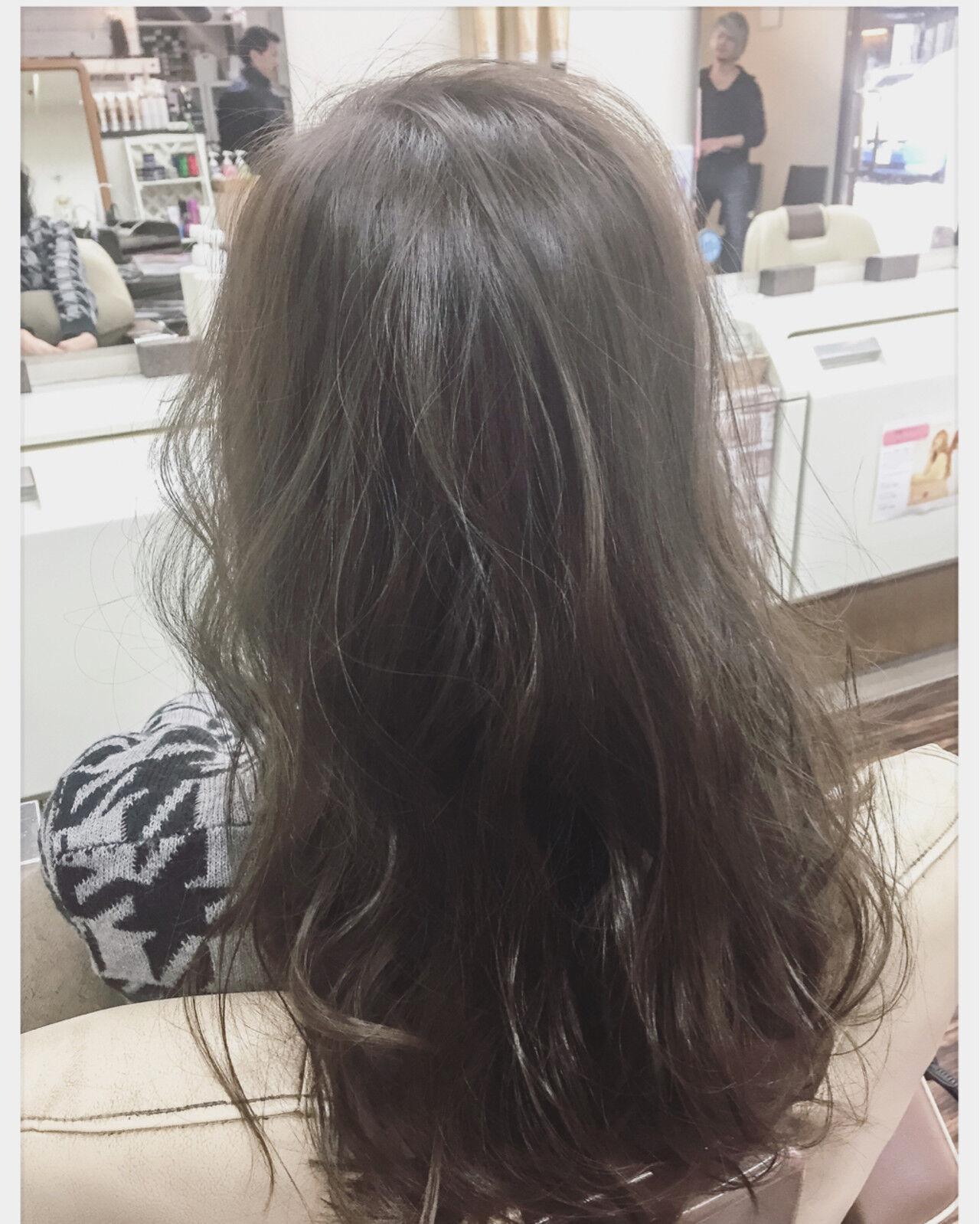 フェミニン ゆるふわ アッシュ ナチュラルヘアスタイルや髪型の写真・画像