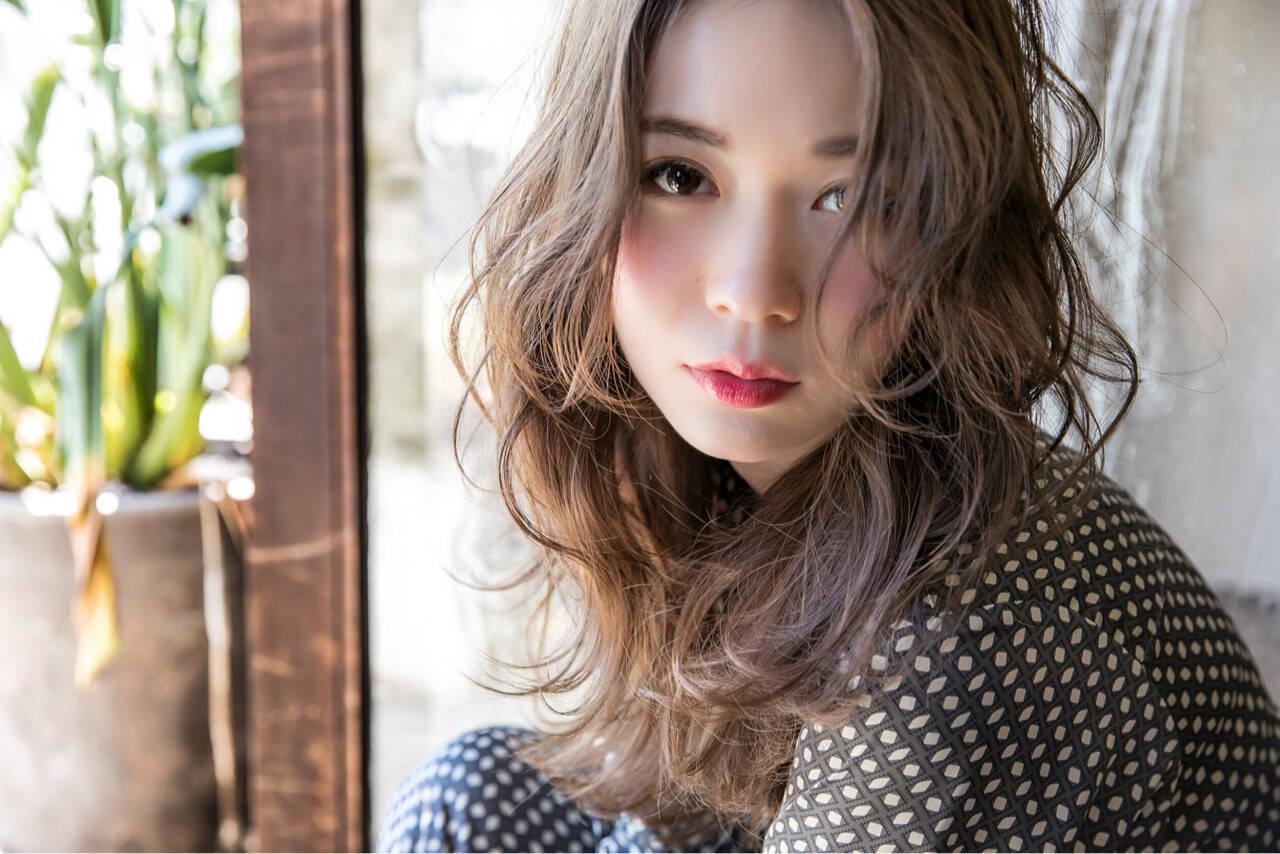 外国人風 ストリート 波ウェーブ 冬ヘアスタイルや髪型の写真・画像