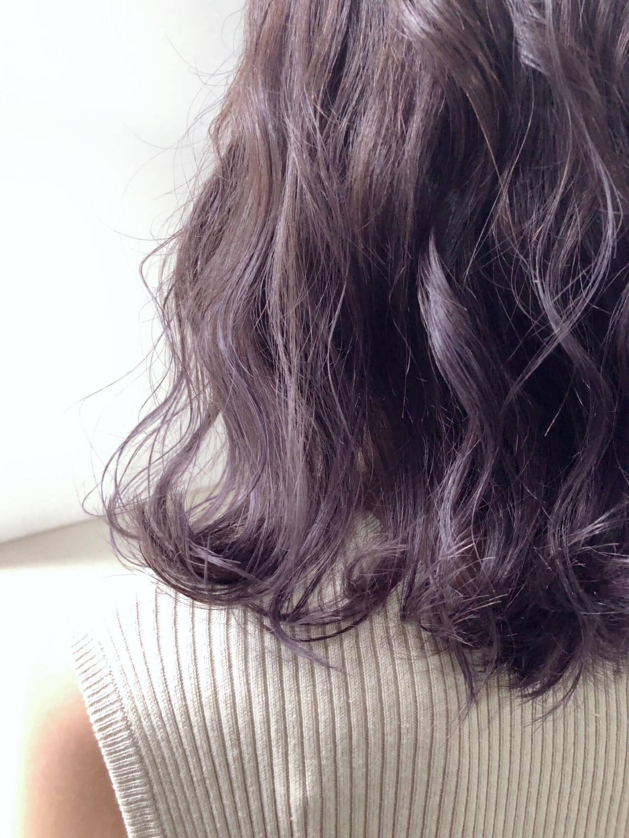 ラベンダーアッシュ ボブ パープル グレージュヘアスタイルや髪型の写真・画像
