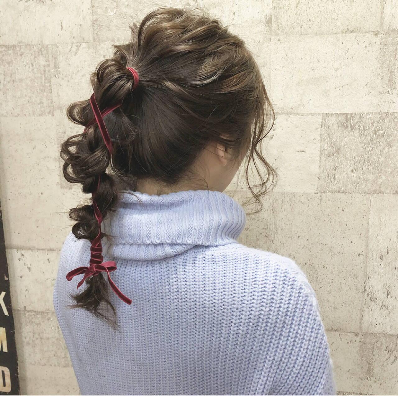 ポニーテール セミロング ヘアアレンジ ナチュラルヘアスタイルや髪型の写真・画像