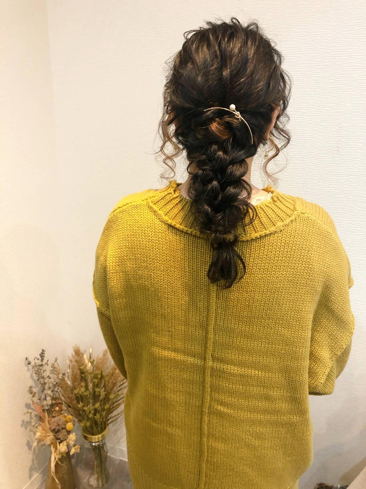ヘアアレンジ ヘアセット セミロング フェミニンヘアスタイルや髪型の写真・画像
