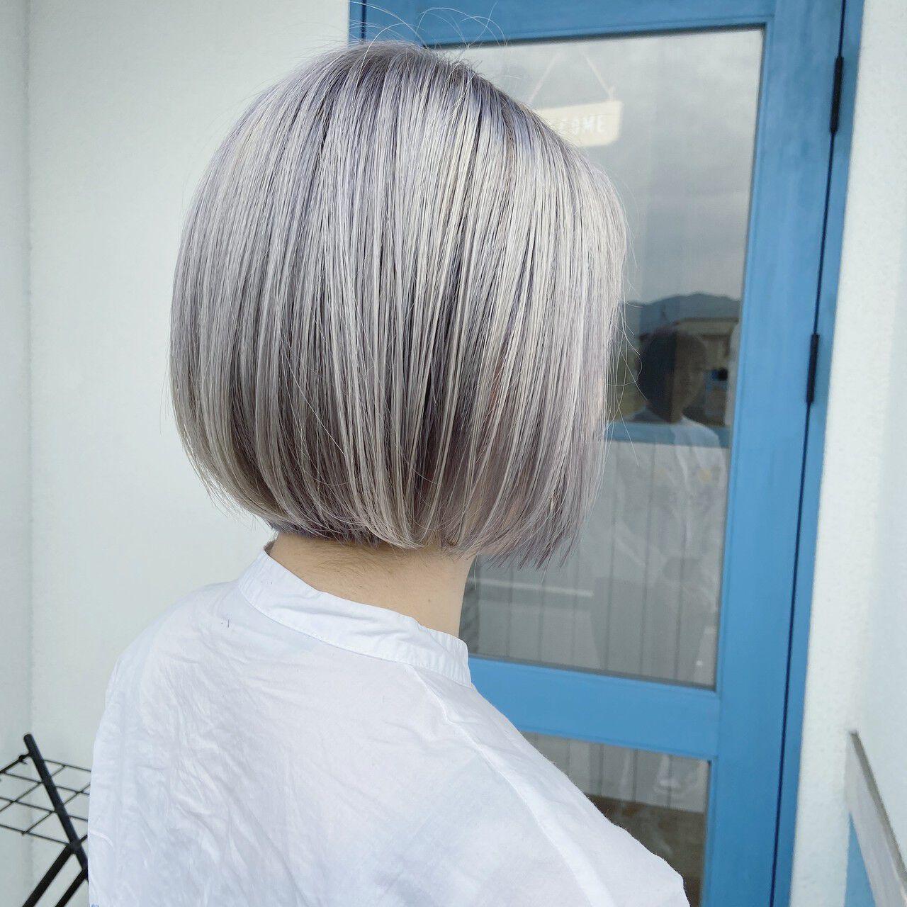 ブリーチ必須 フェミニン ホワイトカラー ホワイトブリーチヘアスタイルや髪型の写真・画像