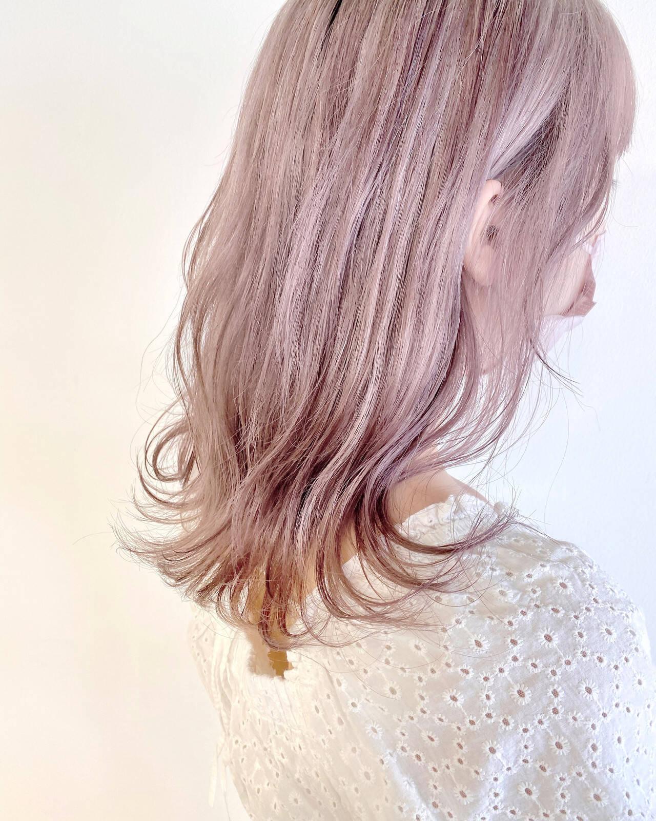 ラベンダーピンク ラベンダー ラベンダーカラー ピンクベージュヘアスタイルや髪型の写真・画像