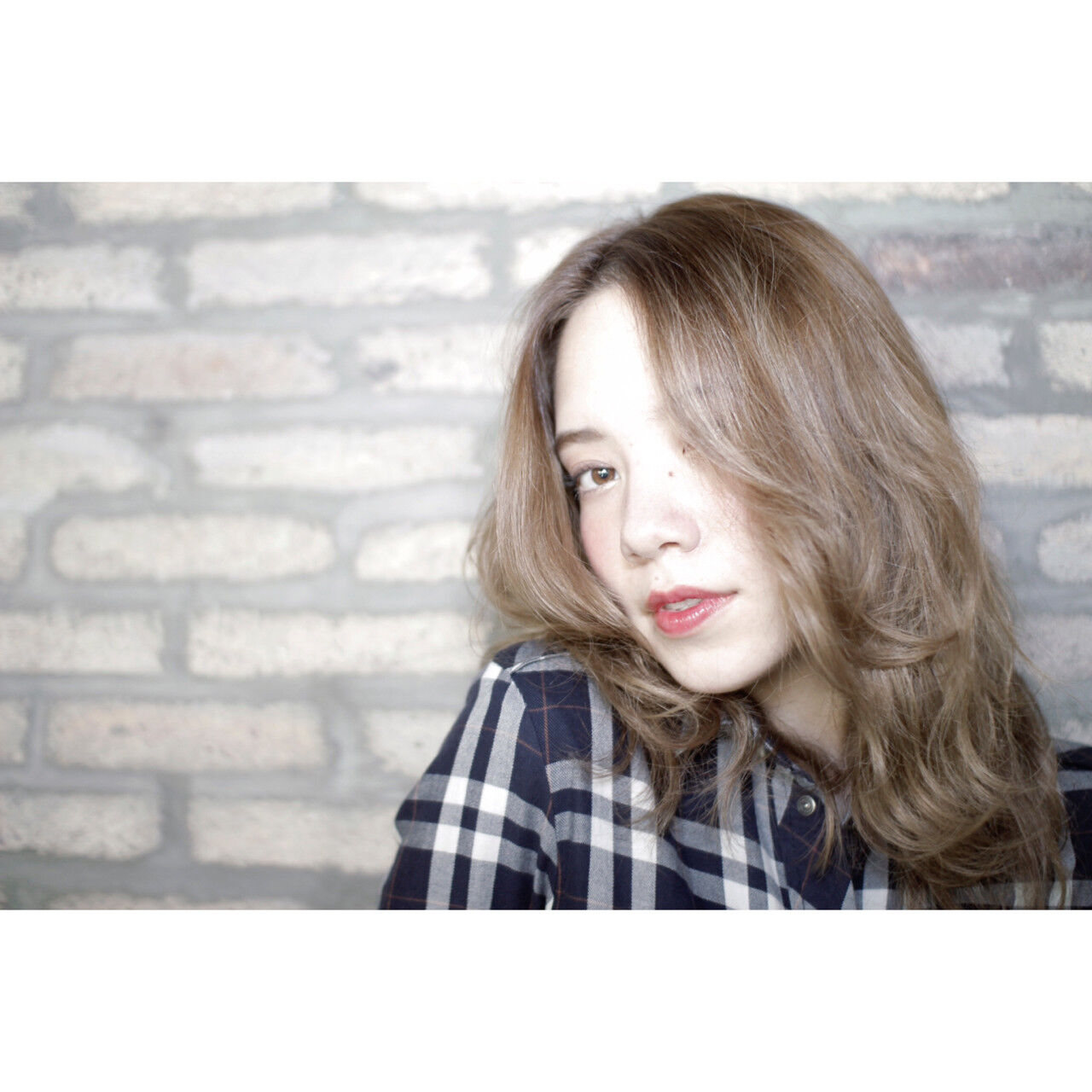 外国人風 ストリート セミロング アッシュヘアスタイルや髪型の写真・画像