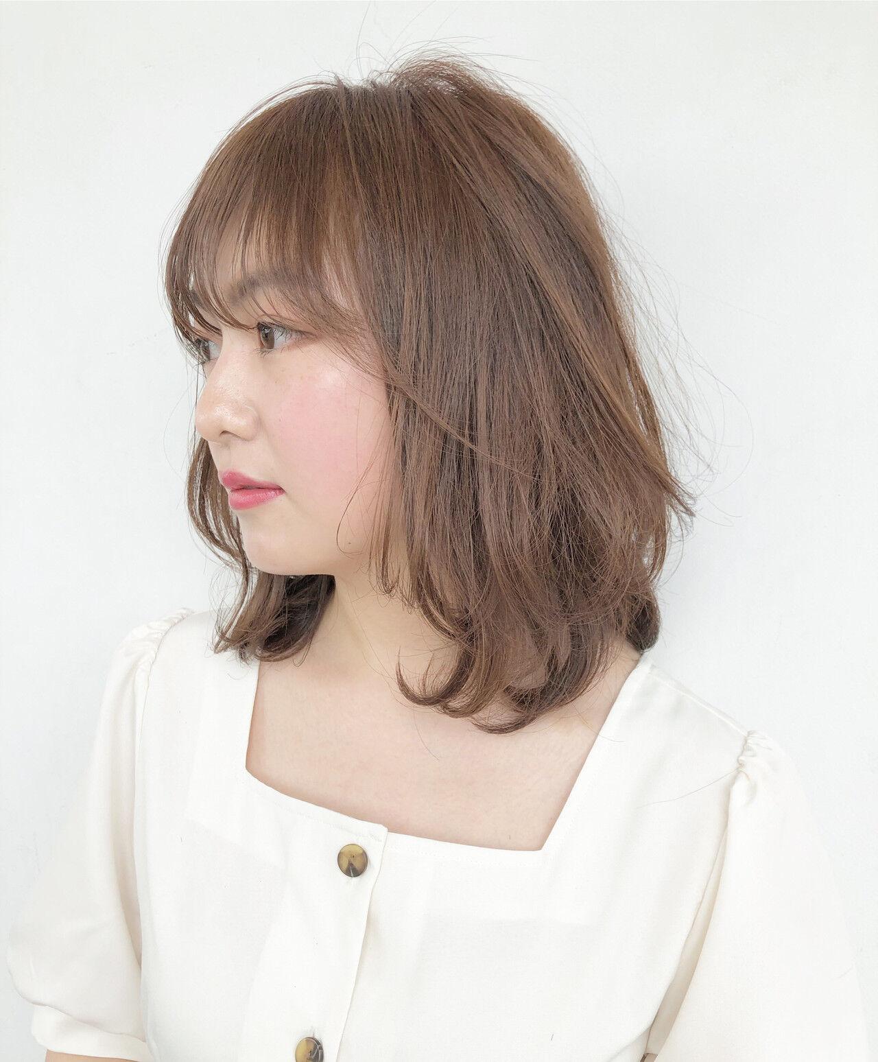 簡単ヘアアレンジ ミルクティーベージュ ヘアアレンジ レイヤーカットヘアスタイルや髪型の写真・画像