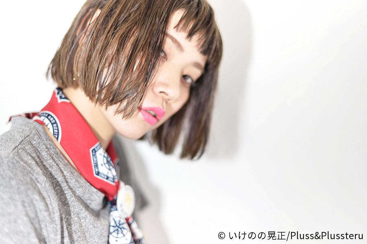 イルミナカラー ストリート ハイライト ベージュゴールドヘアスタイルや髪型の写真・画像