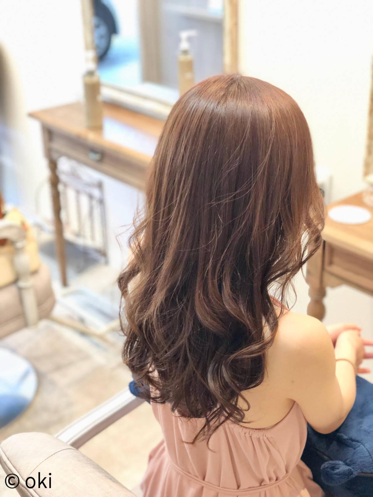 ロング デート フェミニン サラサラヘアスタイルや髪型の写真・画像