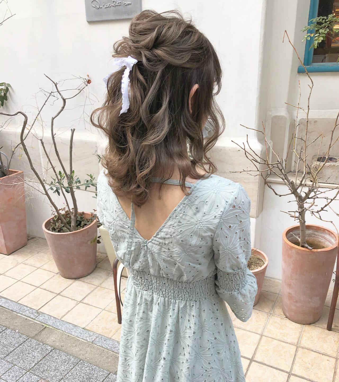ミディアム ハーフアップ ヘアアレンジ オリーブヘアスタイルや髪型の写真・画像