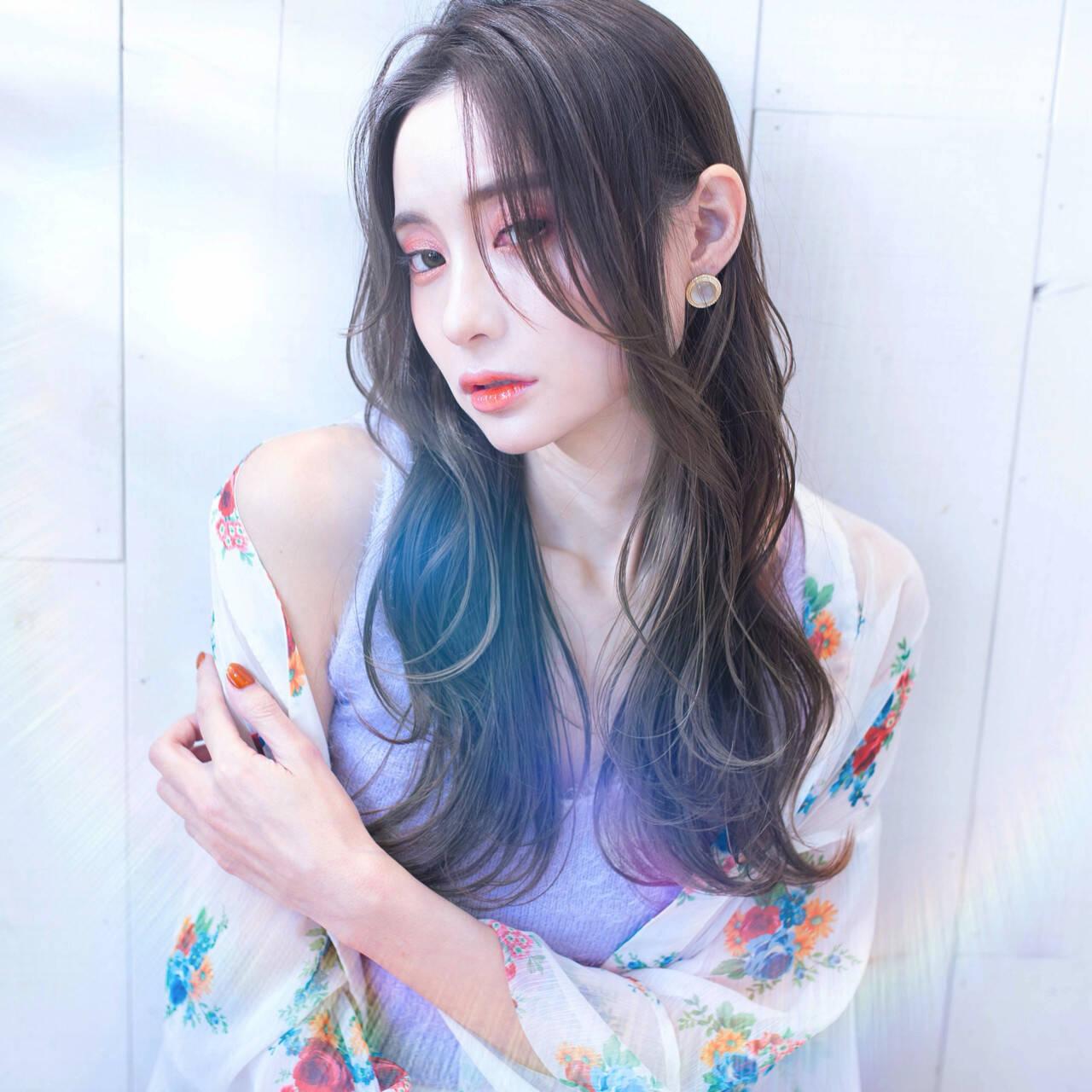 ヨシンモリ ロング グレージュ オリーブグレージュヘアスタイルや髪型の写真・画像