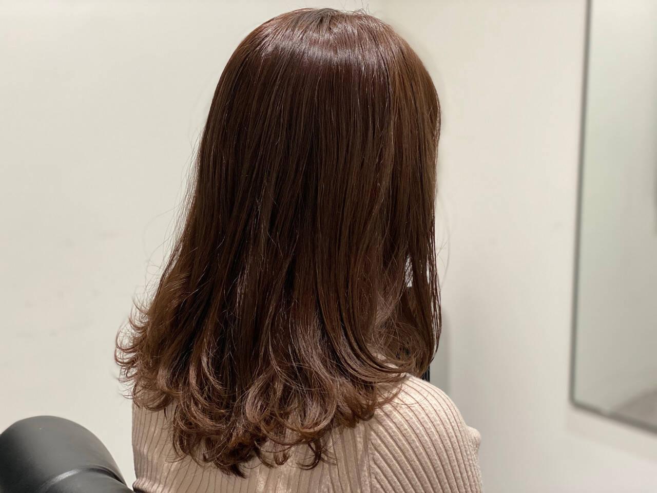 セミロング 大人かわいい グレージュ 外国人風カラーヘアスタイルや髪型の写真・画像