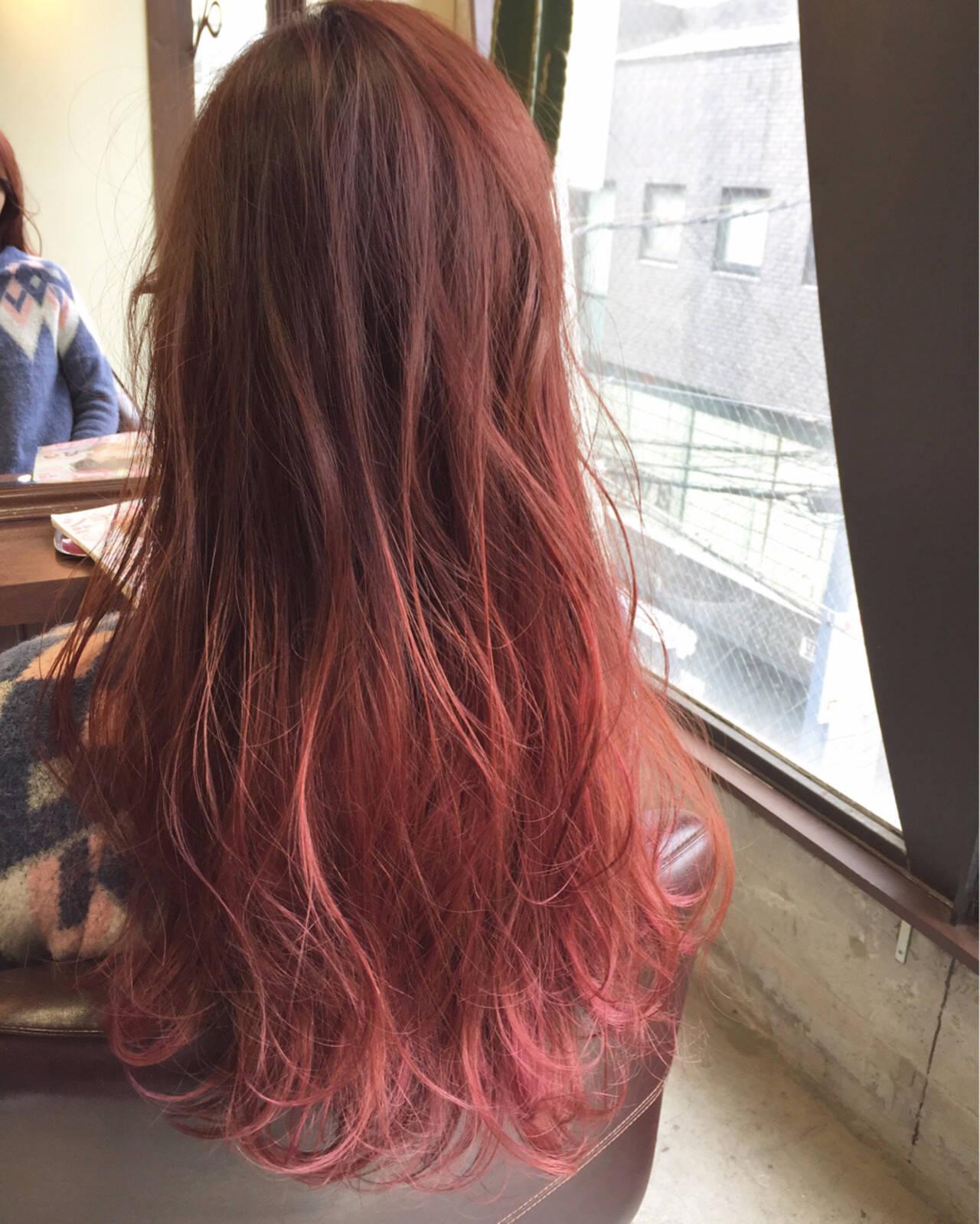 ガーリー ロング グラデーションカラー ピンクヘアスタイルや髪型の写真・画像