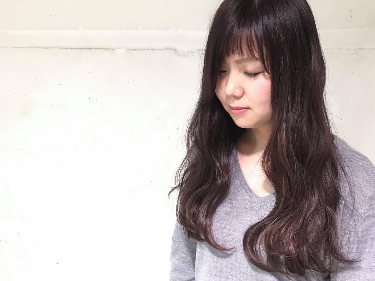 外国人風 ハイライト 暗髪 波ウェーブヘアスタイルや髪型の写真・画像