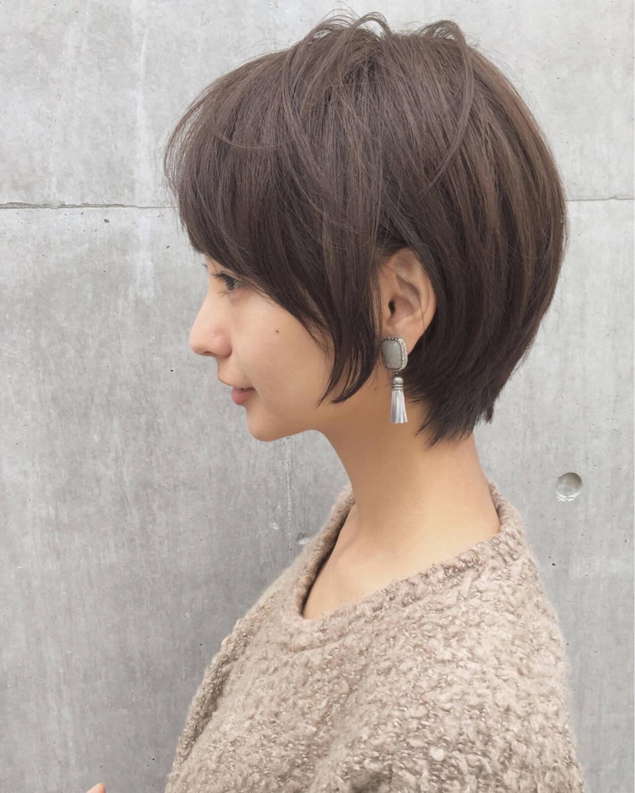小顔 大人かわいい ニュアンス ショートヘアスタイルや髪型の写真・画像
